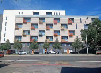 Thumbnail 1 bed flat for sale in Purley Way, Croydon