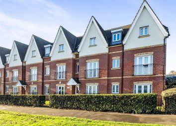 Thumbnail 2 bedroom flat to rent in Gooshays Gardens, Romford