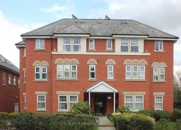 Claremont Avenue, Woking GU22. 2 bed flat for sale
