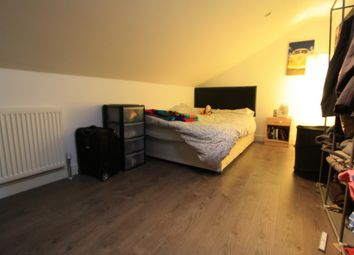 Thumbnail 1 bed flat to rent in Shepards Bush, Hammersmith