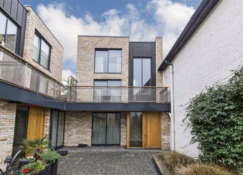 Clapham Court Terrace, Kings Avenue, London SW4. 2 bed property