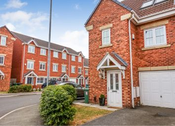 Thumbnail 3 bed town house for sale in Parkfield Court, Leeds
