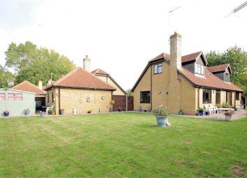 Arrow Yard, Old Nazeing Road, Broxbourne EN10. 3 bed detached house