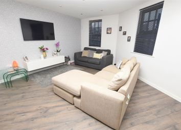 2 bed flat for sale in Warwick Road, Banbury OX16