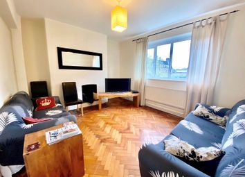 4 bed flat to rent in Wandle Way, London SW18