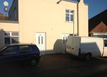 Thumbnail 2 bed flat to rent in Willoughby Road, Boston