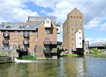 Thumbnail 2 bed flat to rent in Bourneside Road, Addlestone