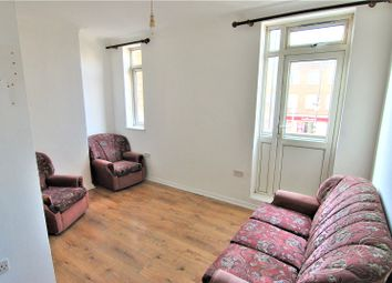 Thumbnail Flat to rent in Green Lanes, Palmers Green, London