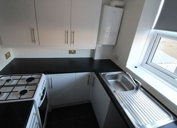 Thumbnail 2 bedroom flat to rent in Lidget Street, Lindley