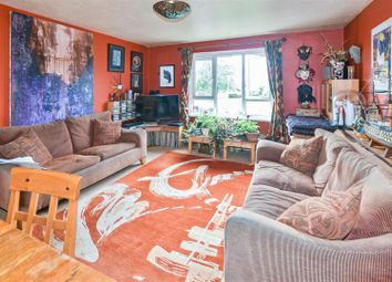 Thumbnail 1 bedroom flat for sale in North Road, London