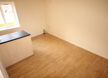 Thumbnail 1 bedroom flat to rent in Gilstead House, Kingsdale Court, Leeds