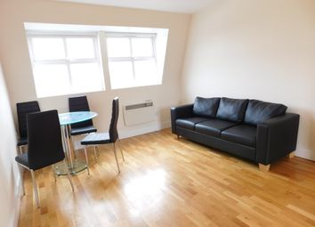 Thumbnail 3 bedroom flat to rent in Hornsey Road, Archway