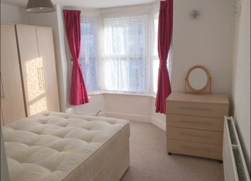 Thumbnail 1 bedroom flat to rent in Pitcroft Avenue, Reading