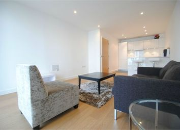 Thumbnail 1 bedroom flat to rent in 6 Saffron Central Square, Croydon