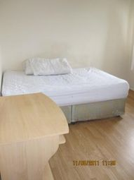 Thumbnail 2 bed flat to rent in Oxley Close ( Available August 2017), Bermondsey
