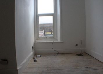 Thumbnail 2 bed flat to rent in High Road, Goodmayes