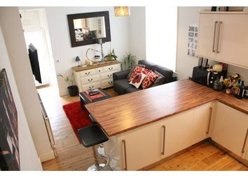 Thumbnail 2 bed flat to rent in Penwith Road, Wandsworth, London