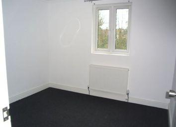 Thumbnail Studio to rent in Eglinton Road, London