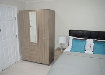 New North Road, Room 5, Ilford IG6. Room to rent