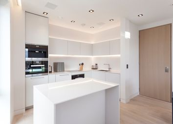 Thumbnail 2 bedroom flat for sale in Marsh Wall, London