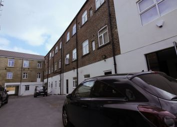 Thumbnail 2 bed flat to rent in Whingate, Leeds