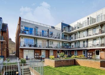 Thumbnail 2 bed flat for sale in Lankaster Gardens N2, East Finchley, London,