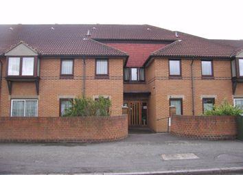 Portland Close, Chadwell Heath, Romford RM6. 1 bed flat