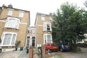Thumbnail 3 bed flat to rent in Freegrove Road, Caledonian Road