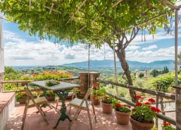 Thumbnail 8 bed town house for sale in Lucca Lucca, Italy