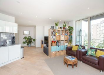 30 Schooner Road, London E16. 1 bed flat