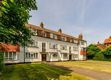Thumbnail 2 bed flat for sale in Chesham Court, Wandsworth Common