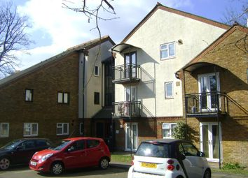 Thumbnail 2 bed flat to rent in Field Way, Haslemere