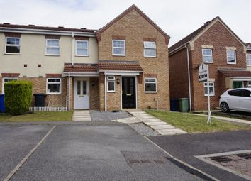 3 bed town house to rent in Kariba Close, Chesterfield S41