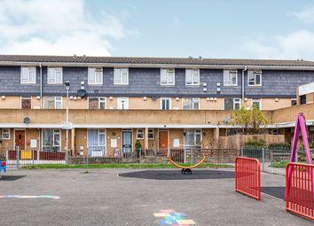 2 bed flat to rent in Eldridge Close, Feltham TW14