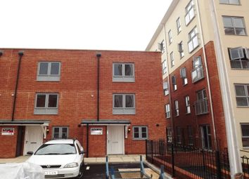 Thumbnail 3 bed town house to rent in Battle Square, Reading