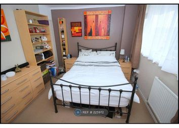 Thumbnail 2 bed flat to rent in Leeming Road, Borehamwood