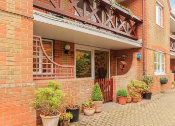 Thumbnail 2 bed flat for sale in Meadrow, Godalming