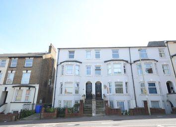 Thumbnail 2 bed flat to rent in Queens Road, Aldershot
