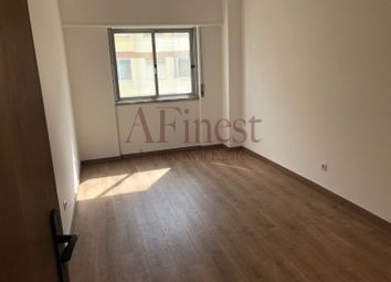 Thumbnail 3 bed apartment for sale in Algés Linda-A-Velha E Cruz Quebrada-Dafundo, Algés, Linda-A-Velha E Cruz Quebrada-Dafundo, Oeiras