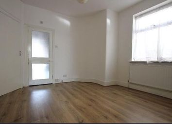 Thumbnail 2 bed flat to rent in Sedgwick Road, London