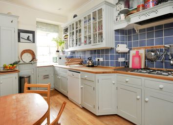 Thumbnail 2 bedroom flat to rent in Lansdown Place West, Bath