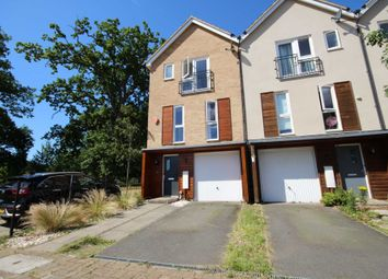Tempest Mews, Bracknell RG12. 3 bed town house