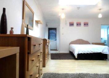 Thumbnail Studio to rent in Kimberley Road, Croydon
