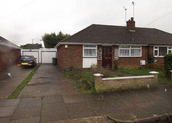 Thumbnail 2 bed bungalow to rent in Chapterhouse Road, Luton