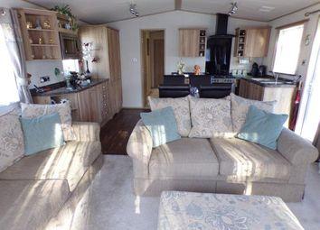 3 bed mobile/park home for sale in Oakdene Forest Park, St Leonards, Ringwood BH24