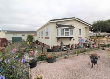 Thumbnail 2 bedroom mobile/park home for sale in Rhododendron Walk, Crookham Common, Thatcham