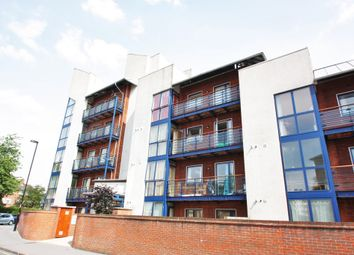 Thumbnail 3 bed flat to rent in Leslie Park Road, Croydon