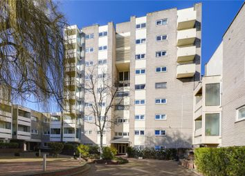 Bloomsbury Close, London W5. 2 bed flat for sale