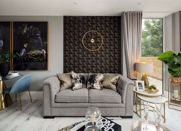 2 bed flat for sale in Cockfosters Road, Hadley Wood, Hertfordshire EN4