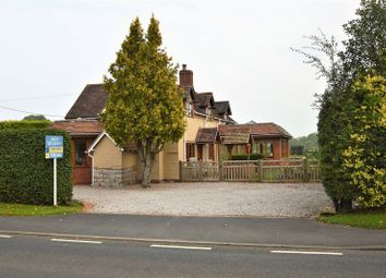 Thumbnail 3 bed detached house for sale in Evesham Road, Cookhill, Alcester